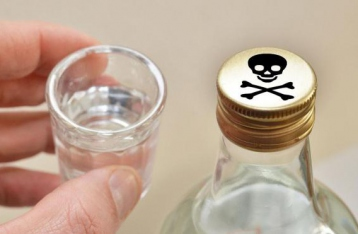 От отравления суррогатным алкоголем умерли уже 69 человек