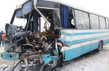 Под Житомиром столкнулись фура и маршрутка: 16 пострадавших, один погиб