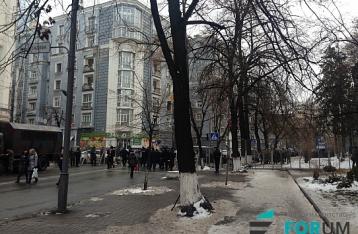 Митинги в Киеве: На Институтской снова собираются люди