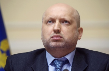 Турчинов призвал РФ не истерить по поводу ракетных стрельб возле Крыма