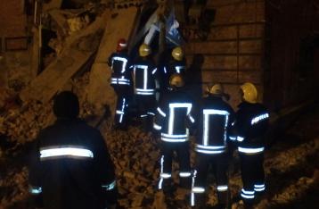 В Чернигове из-под завалов жилого дома достали подростка