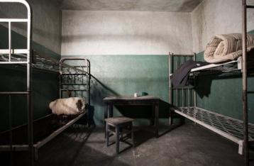 Порошенко помиловал 9 осужденных, которых планируют передать НВФ