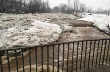 На Закарпатье – наводнение: «плавают дома», жителей эвакуируют