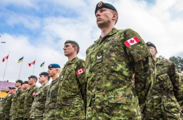 Канада продлила миссию военных инструкторов в Украине