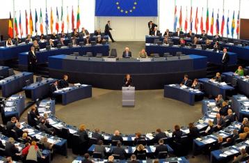 ЕП призвал РФ освободить украинских заложников и прекратить выдачу паспортов в Крыму