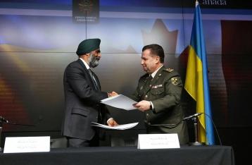 Украина и Канада подписали соглашение об оборонном сотрудничестве