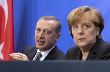 Меркель: Смертная казнь поставит точку в переговорах Турции и ЕС