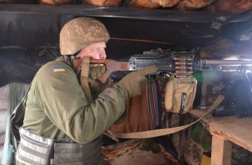 Ситуация в зоне АТО остается напряженной, 1 военный погиб, 9 – ранены
