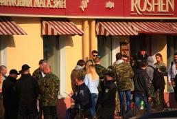 СБУ: Экс-регионалы пытались организовать «конфетный бунт» против Порошенко