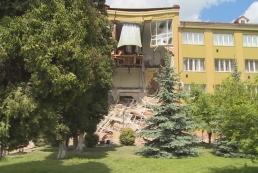 В Коломые обрушилась часть здания колледжа