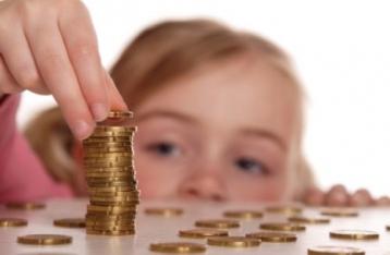 Рада увеличила минимальные алименты и признала их собственностью ребенка