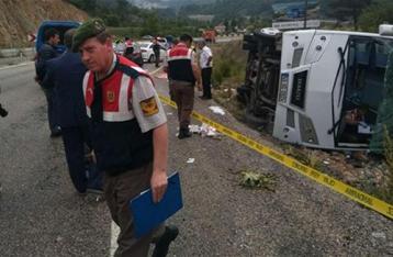 В Турции перевернулся туристический автобус, пострадали украинцы