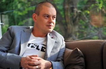 Шувалову на 5 лет запретили въезд в Украину
