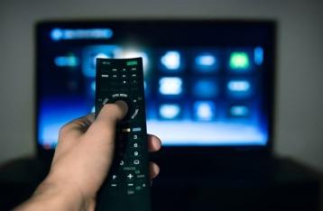 Порошенко обещает подписать закон о языковых квотах на ТВ
