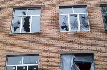 Боевики обстреляли район школы в Марьинке