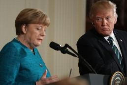 Меркель поговорила с Трампом об Украине