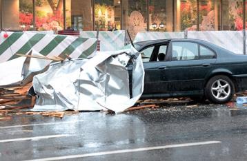 Жертвами урагана в Москве стали 11 человек