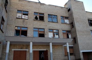 НВФ обстреляли Красногоровку, ранена женщина