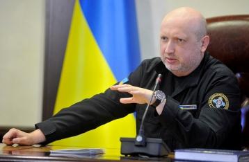 Турчинов: АТО нужно завершить и перейти к другому формату защиты Украины