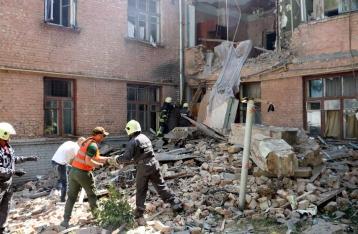 В Киеве под завалами в разрушенном взрывом доме нашли тело мужчины