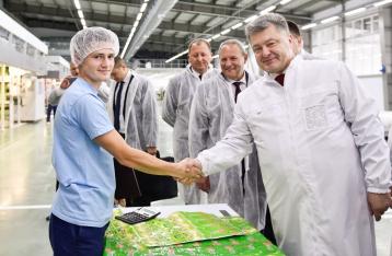 Порошенко: За три года войны в Украине открылись 60 новых заводов