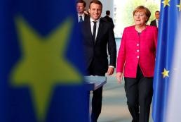 Макрон и Меркель назвали недопустимыми заявления о «Малороссии»