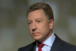 Волкер: В США решают вопрос оборонительного оружия для Украины