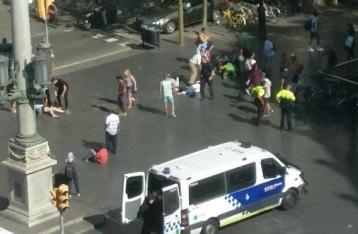 СМИ: В Барселоне неизвестные захватили заложников в ресторане