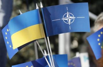 Волкер считает, что Украина не готова вступить в НАТО