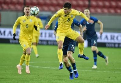 Украина разгромно проиграла Словакии в групповом турнире Лиги Наций
