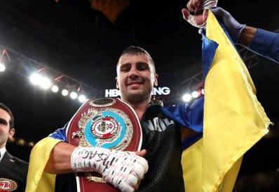 Украинец Гвоздик стал чемпионом мира по боксу, нокаутировав Стивенсона