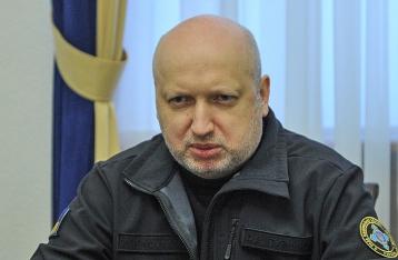 СМИ: Турчинов подает в отставку