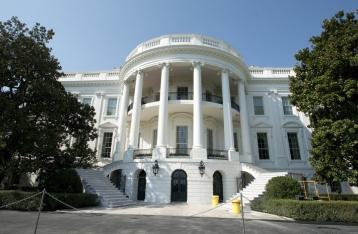 WP: Белый дом не будет сокращать военную помощь Украине