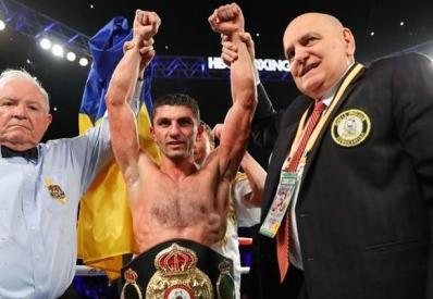 Украинский чемпион мира Далакян в трудном бою победил Переса