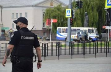 Захвативший автобус в Луцке заявляет о наличии взрывчатки ещё в одном месте