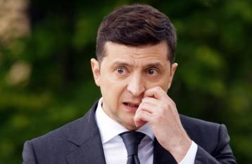 Почти половина украинцев не доверяют Зеленскому