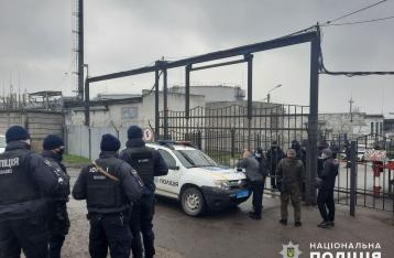 В Николаеве неизвестные захватили частное предприятие