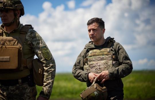 Зеленский побывал в 700 метрах от позиций врага