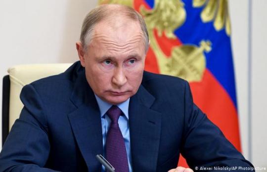«Не хотят быть пушечным мясом»: Путин похвалил украинцев-противников НАТО
