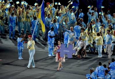 Первые украинские чемпионы вернулись домой после Паралимпиады-2020