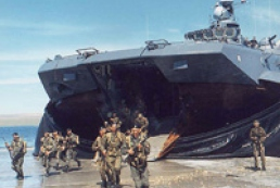 Россия тайно стянула военную технику под Севастополь?
