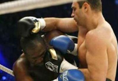 Кличко защитил титул чемпиона мира в бою с американцем Джонсоном