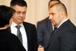 Азаров закріпив за кожною областю міністра
