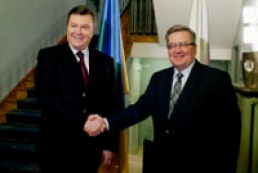 Коморовский призывает Украину выполнить требования ЕС