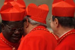 Кардиналы приступили к поиску кандидатуры нового понтифика