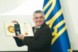 Президент вручил Шевченковские премии