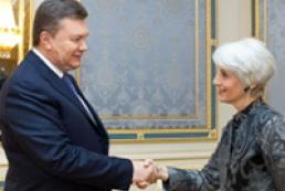Янукович: Украина настроена на развитие стратегических отношений с США
