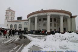 Из-за снегопада станция метро «Вокзальная» закрыта на вход