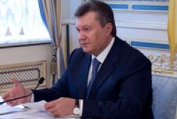 Янукович требует осуществления чрезвычайных мер в борьбе со стихией