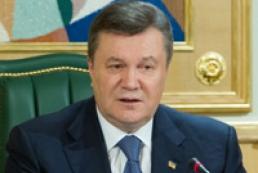 Янукович требует научить украинцев самостоятельно бороться со стихией